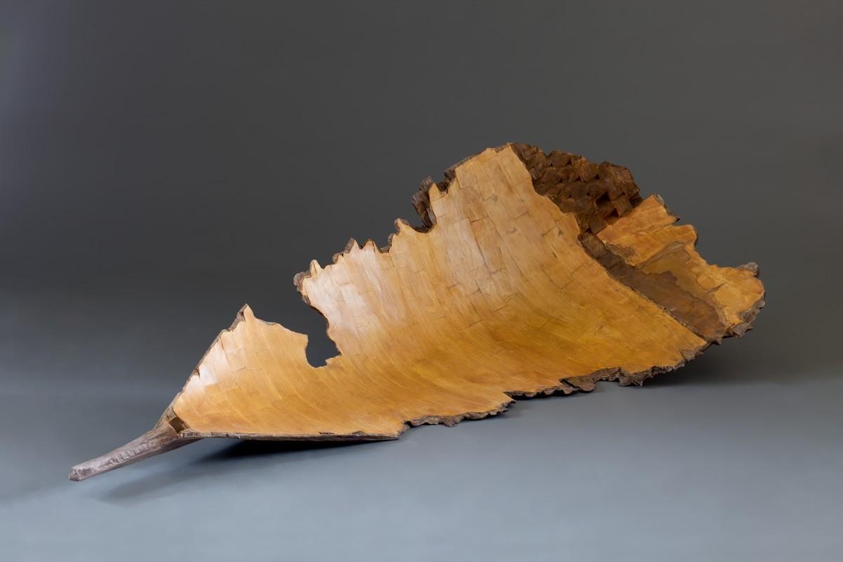Barque, de l'artiste Bernard Hamel, Sculpture, Bois oxydé, Création unique, dimension : 65 x 31 x 20 po, vue de l'intérieur