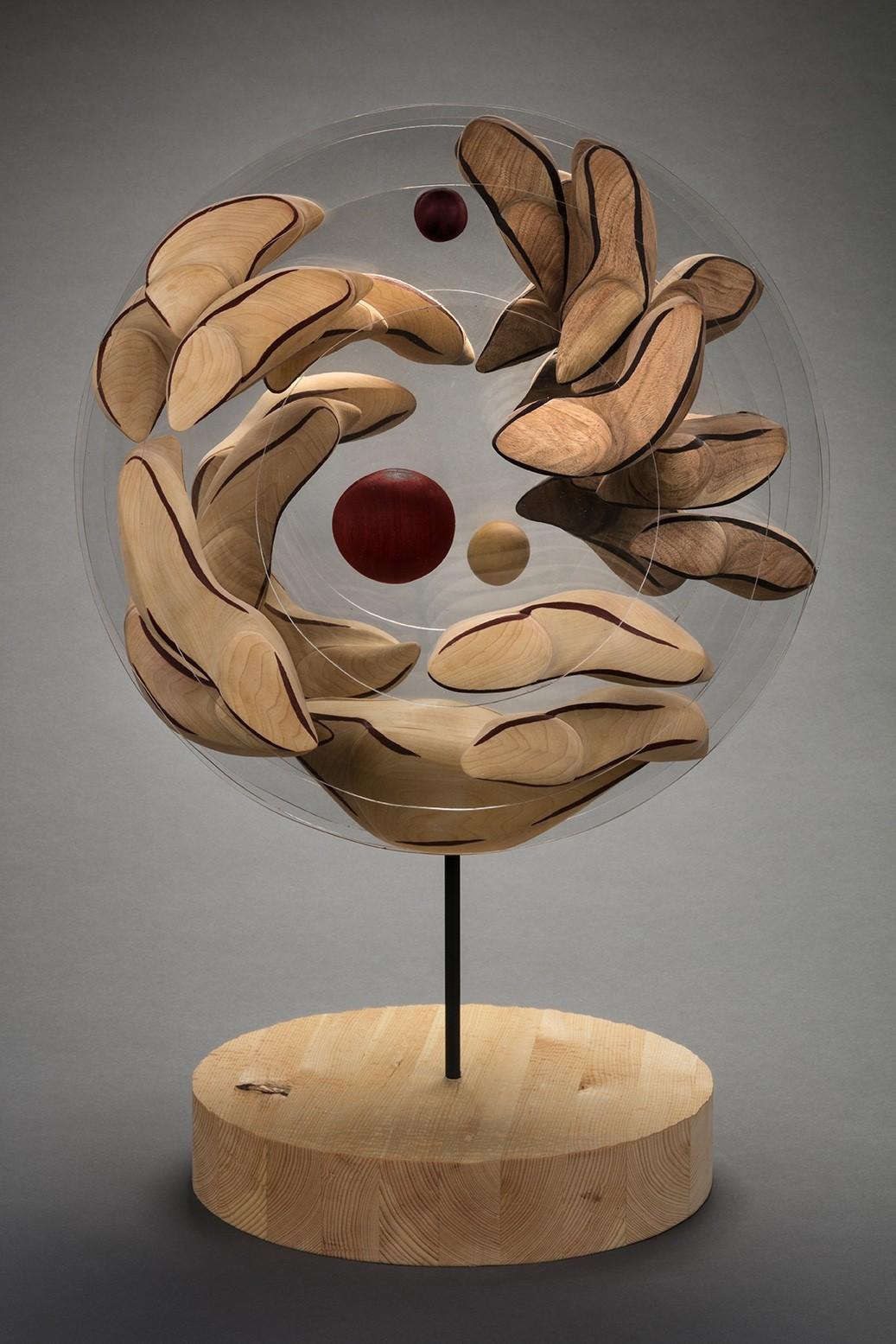 Terre des hommes 2067, de l'artiste François Lauzier, Sculpture, bois et acrylique, Création unique, dimension : 46 x 46 x 46 cm