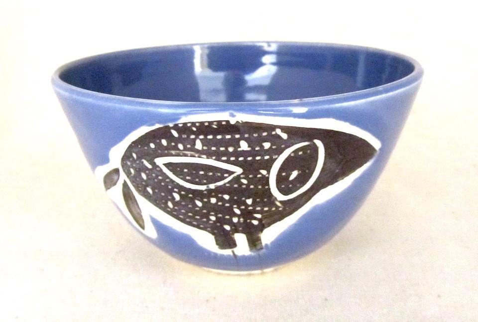 Bol, bleu violet, # 38, de l'artiste Créations Ratté, medium : céramique, objet utilitaire cuit à très haute température, résistant au four, au micro-onde et au lave-vaisselle