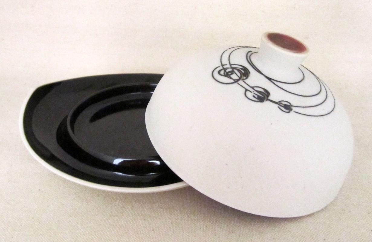 Beurrier, # 3, de l'artiste Elizabeth Hamel, medium : céramique porcelaine blanche