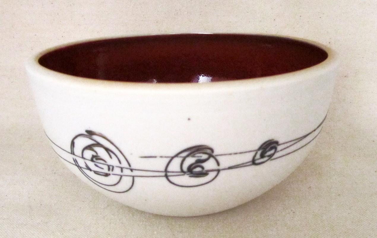 Bol poke, # 13, de l'artiste Elizabeth Hamel, medium : céramique porcelaine blanche, dimension : 6 x 3.5 x 3.5 pouces