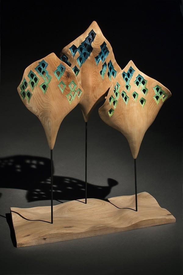 Éolie no 17, de l'artiste François Lauzier, Désirs ondulants parmi les houles douces, Sculpture, merisier, Création unique, dimension : 60 x 57 x 28 cm