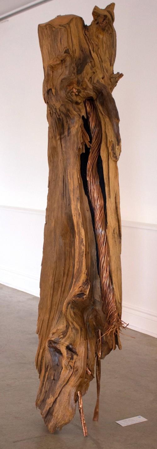 Filon (grande), de l'artiste Bernard Hamel, Sculpture, bois et cuivre, Création unique, dimension : 152 x 30 x 30 cm