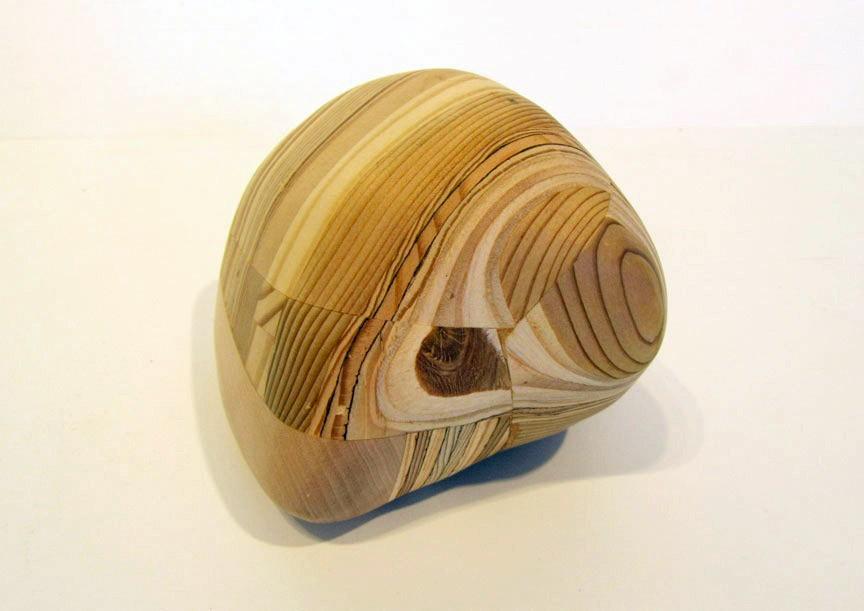 Roche (grosse), # 6, de l'artiste Claudia Côté, Sculpture, Bois mixte, Création unique, vue 1