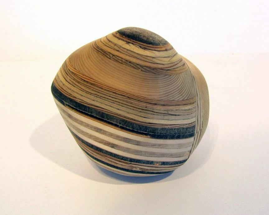 Roche (grosse), # 9, de l'artiste Claudia Côté, Sculpture, Bois mixte, Création unique, vue 1