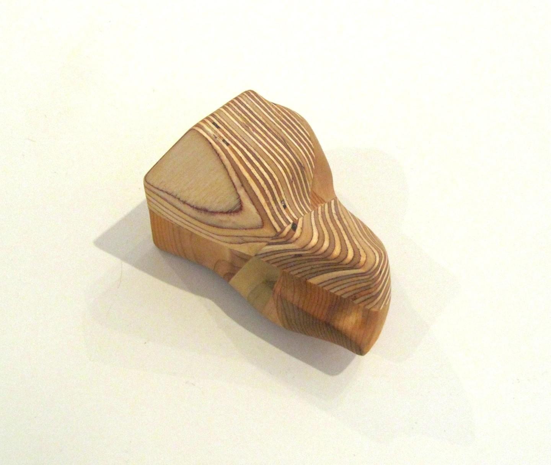 Roche (moyenne), # 62, de l'artiste Claudia Côté, Sculpture, Bois mixte, Création unique