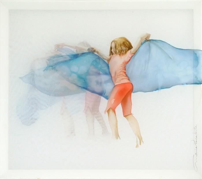 Petite danseuse (bleu), de l'artiste Marie-Pierre Lortie, Oeuvre sur soie, encre, triple voile sur cadre, Création unique,dimension 32 x 35 pouces de largeur, vue A