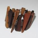 Bracelet, no 51, de l'artiste Le Forestier, Bijou fait de bois mixte, Fermeture aimantée