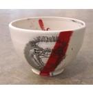 Bol autruche, no 27, de l'artiste Nancy Lavigueur, en semi-porcelaine, dimension : circonférence 19 po, diamètre 6 po, hauteur 3.75 po, pièce vendue à l'unité