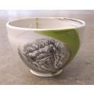 Bol autruche, no 33, de l'artiste Nancy Lavigueur, en semi-porcelaine, dimension : circonférence 19 po, diamètre 6 po, hauteur 3.75 po, pièce vendue à l'unité