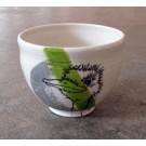 Bol autruche, no 35, de l'artiste Nancy Lavigueur, en semi-porcelaine, dimension : circonférence 15.5 po, diamètre 6 po, hauteur 6 po, pièce vendue à l'unité