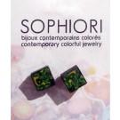 Boucles d'oreilles, Assymétrik pin, no 15, de l'artiste Sophiori, Bijou contemporain coloré, fait à la main, Matière première : pâte de polymère, de la création jusqu'à l'assemblage final