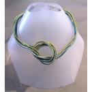 Collier LIANE, no 35, de l'artiste Sandrine Giraud, Paris, Ce bijou modulable, toujours original, marie avec élégance la grâce des perles avec l'originalité des lignes résolument contemporaines.