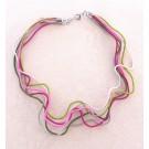 Collier LIANE, no 36, de l'artiste Sandrine Giraud, Paris, Ce bijou modulable, toujours original, marie avec élégance la grâce des perles avec l'originalité des lignes résolument contemporaines. vue B