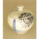 Contenant, no 7, de l'artiste Nancy Lavigueur, en semi-porcelaine, pièce vendue à l'unité