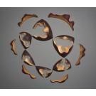 Émergence no 7, de l'artiste François Lauzier, Une onde se disloque, c'est le chant des coques!  Sculpture, tilleul et noyer cendré, Installation murale, Création unique, dimension : 132 x 127 x 12 cm