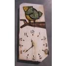 Horloge, format moyen, hblv-1618, de l'artiste Alexandre Tardif, faite en bois, tilleul, format rectangulaire, fond blanc, dimension : 16 x 7.75 x 1 pouces de largeur, décoration fonctionnelle, 2 batteries 2A