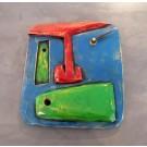 Horloge Face bleue, bouche verte, nez rouge, de l'artiste Alexandre Tardif, dimension : 8 x 1 x 8 pouces de largeur, faite en bois, tilleul, format carré, décoration fonctionnelle, 2 batteries 2A