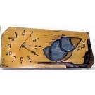 Horloge horizontale, format moyen, hblh-16, de l'artiste Alexandre Tardif, jaune, faite en bois, tilleul, format rectangulaire, fond blanc, dimension : 15.5 x 7.5 x 1 pouces de largeur, décoration fonctionnelle, 2 batteries 2A