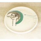 Assiette, no 15, de l'artiste Nancy Lavigueur, Poterie utilitaire semi-porcelaine, dimension : 8 pouces de circonférence, pièce vendue à l'unité