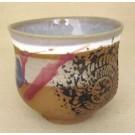Gobelet-dentelle brun, no 66, de l'artiste Nancy Lavigueur, en semi-porcelaine. dimension : 3 po x 4 pouces de largeur, pièce vendue à l'unité