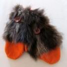 Moufle nanouk, no 8, de l'artiste Irèna Geerts, Création québécoise faite à la main. Modèle garni d'une finition de fourrure recyclée et de laine alpaga à 100 %.