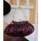 Lady Shell - tattoo, sac à main en vinyle, de l'artiste Anemone, dimension : 11,5 largeur x 7 hauteur x 4,5 pouces profondeur