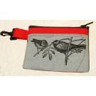 Pochette-mousqueton (petite), no 30, de l'artiste Cynthia DM, Tissu imperméable Nylon Majestic, doublure intérieure, sérigraphie sur tissu, jeux de coutures décoratives, fermeture éclair YKK (meilleure qualité)