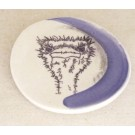 Repose-cuiller, no 34, de l'artiste Nancy Lavigueur, utilitaire en porcelaine, dimension : 15.5 pouces de circonférence, 4.75 pouces de diamètre, pièce vendue à l'unité