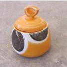 Sucrier, # 5, clémentine, de l'artiste Créations Ratté, medium : céramique, objet utilitaire cuit à très haute température, résistant au four, au micro-onde et au lave-vaisselle