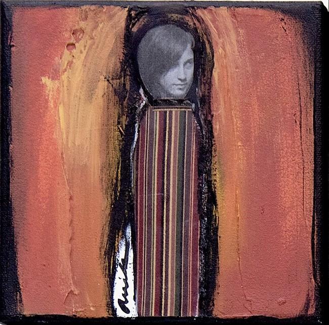 La vive, no 1, de l'artiste Anik Lachance, *Collection, L'armée de femmes, Tableau, Techniques mixtes, Création unique, dimension : 6 x 6 po de largeur