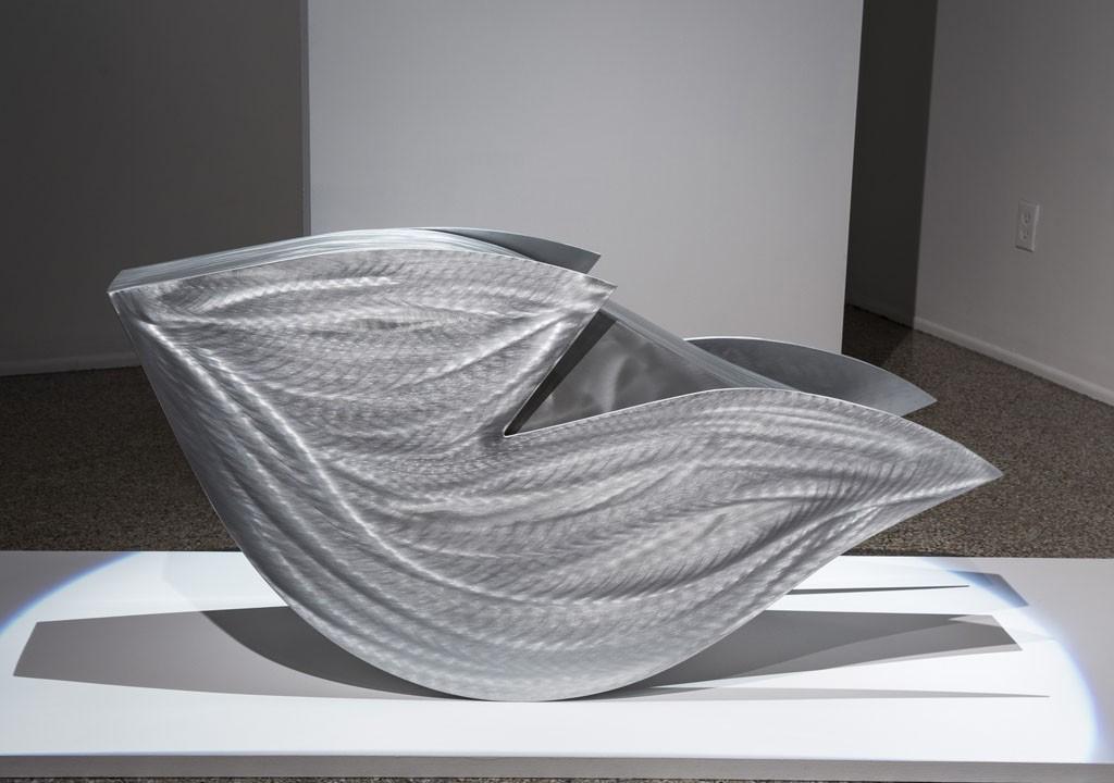 Énoc, de l'artiste Stéphane Langlois, Sculpture en aluminium, Création unique, dimension : 24 x 52 x 16 pouces