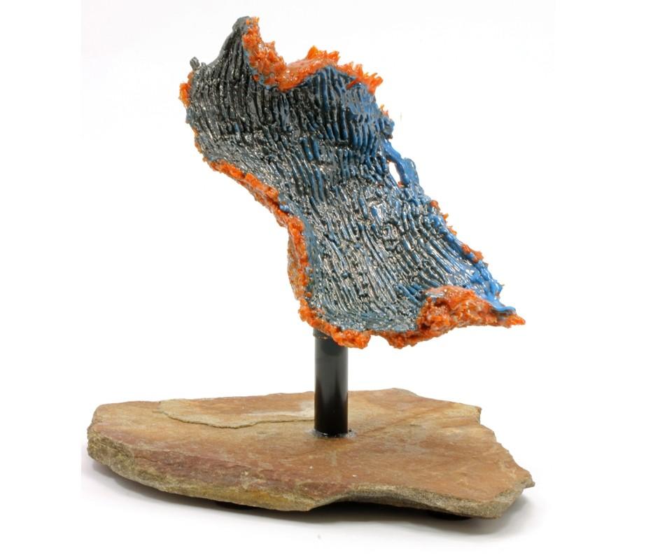 Réveil de la terre, de l'artiste Lucie Martineau (Enora), Sculpture, Verre, cuivre et pierre, Création unique, dimension : 8.5 x 10 x 8 po