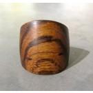Bague, no 22, de l'artiste Le Forestier, Matière première : bois, de la création jusqu'au produit final