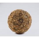 Ceci n'est pas un virus, de l'artiste Bernard Hamel, Sculpture, Phragmites tiges, polystyrène, dimension : environ 20 po de diamètre