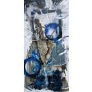 Bleuet sauvage, de l'artiste Sandy Cunningham, *Série : La flore sauvage du Québec, Tableau, Techniques mixtes sur toile, Création unique, dimension : 48 x 24 po de largeur