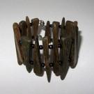 Bracelet, no 52, de l'artiste Le Forestier, Bijou fait de bois mixte, Fermeture aimantée
