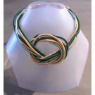 Collier Méli Mélo, no 55, de l'artiste Sandrine Giraud, Paris, Ce bijou modulable, toujours original, marie avec élégance la grâce des perles avec l'originalité des lignes résolument contemporaines.