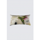 Coussin Bastien, rectangle long, modèle 'Colibris', Ni Vu Ni Cornu, Auteure Annie Lévesque, artiste, Art portable, Imprimé des deux côtés (recto-verso), Fait au Canada, dimension : 12po x 23po