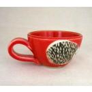 Tasse cappucino, # 40, rouge, de l'artiste Créations Ratté, medium : céramique, objet utilitaire cuit à très haute température, résistant au four, au micro-onde et au lave-vaisselle