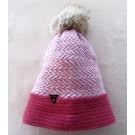 Tuque tissée, no 13, de l'artiste Irèna Geerts, Création québécoise faite à la main. Modèle garni d'un pompon de fourrure recyclée et de laine alpaga à 100 % %, vue A