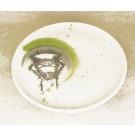 Assiette, no 10, de l'artiste Nancy Lavigueur, Poterie utilitaire semi-porcelaine, dimension : 8 pouces de circonférence, pièce vendue à l'unité