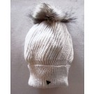 Tuque béret, no 44, de l'artiste Irèna Geerts, Création québécoise faite à la main. Modèle garni d'un pompon de fourrure recyclée et de laine alpaga à 100 %.