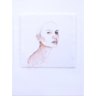 Fille aux yeux bruns et tricot cuivré, de l'artiste Marie-Pierre Lortie, Oeuvre Encre, fil de cuivre sur soie, Création unique, dimension 13.25 x 13.25 pouces de largeur